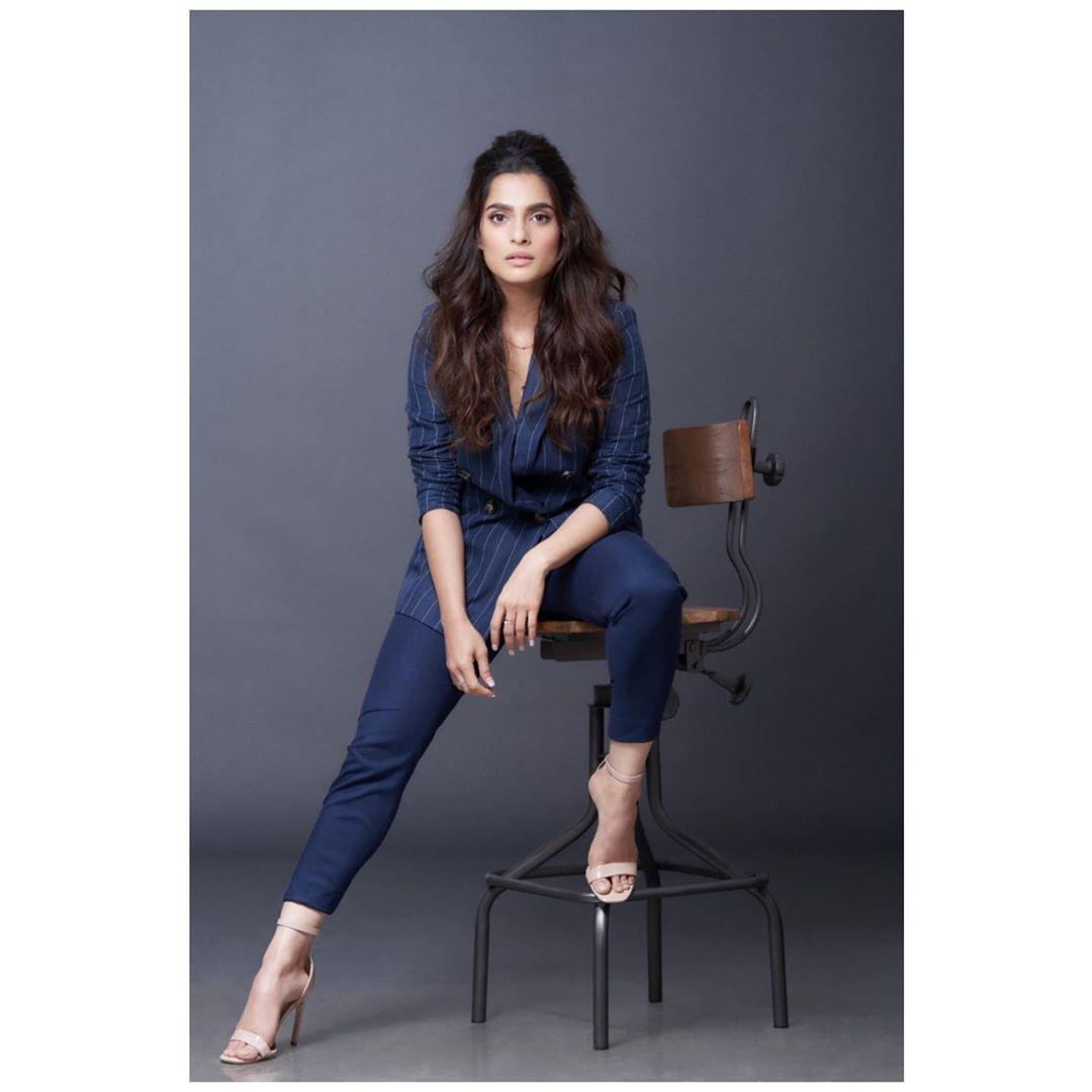 Priya Bapat marathi actress 47