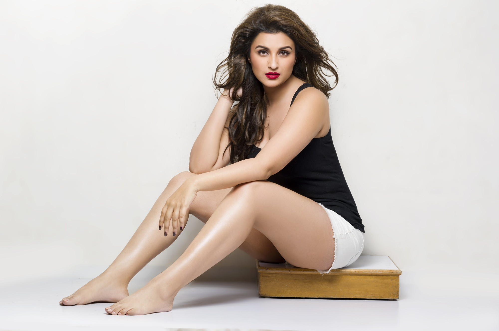 bollywood actress parineeti chopra hot photos