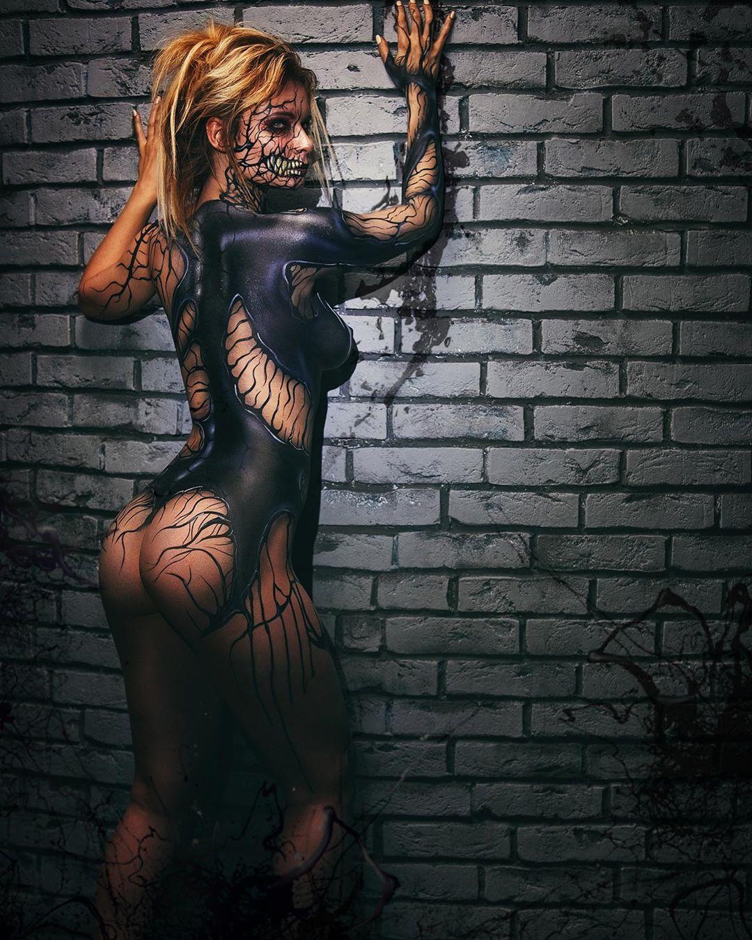 venom cosplay by Jannet