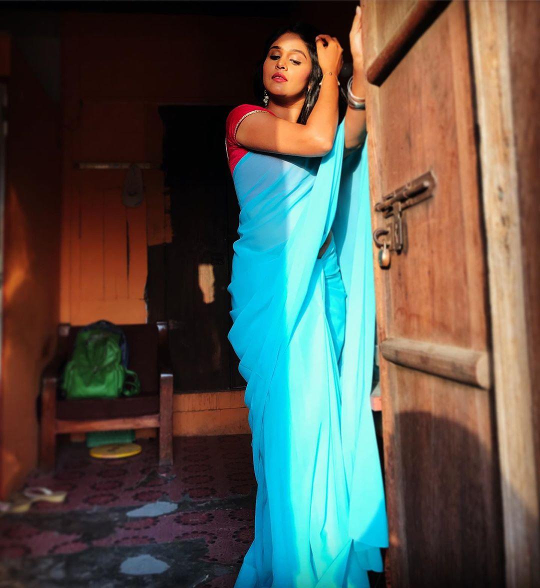 Akshaya Deodhar marathi actress 42