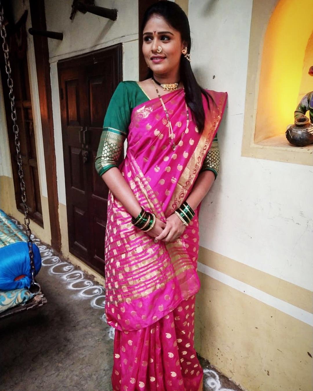 Akshaya Deodhar marathi actress 17