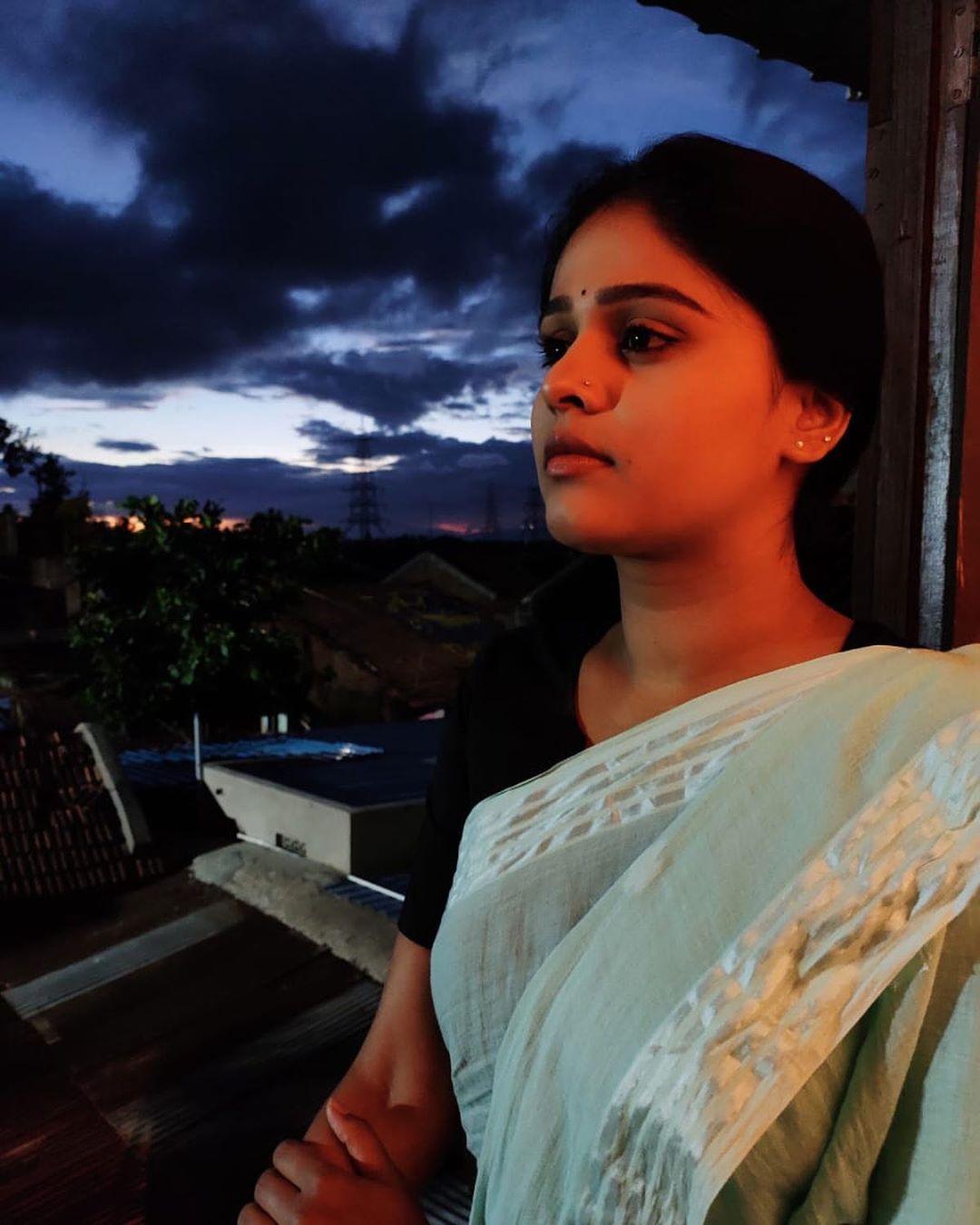 Akshaya Deodhar marathi actress 46