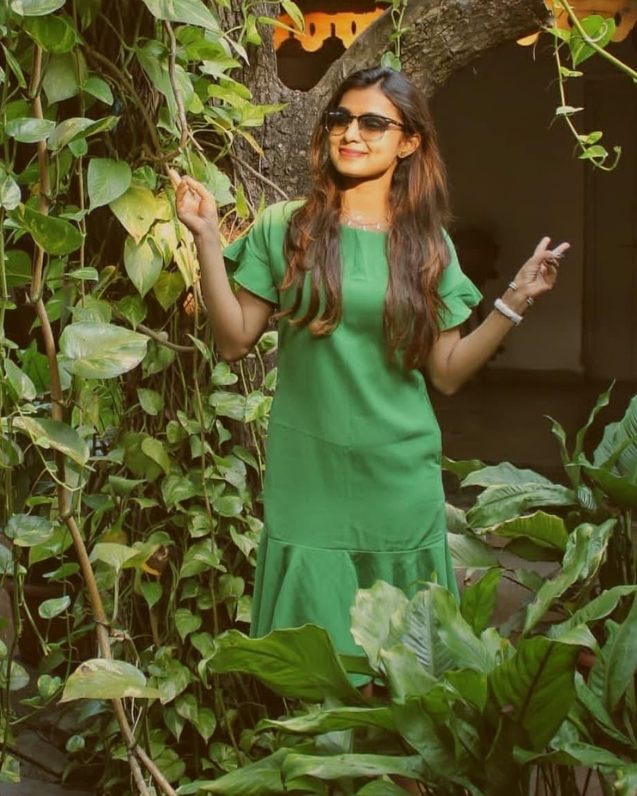 Mayuri Deshmukh marathi actress 33