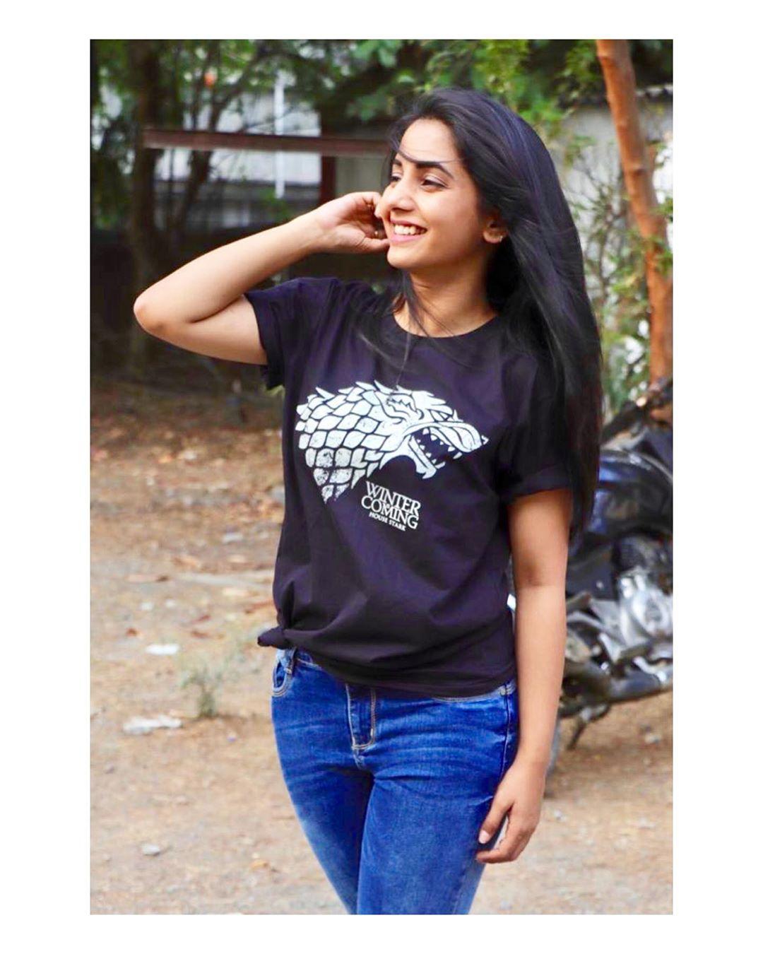 Sayali Sanjeev marathi actress 1