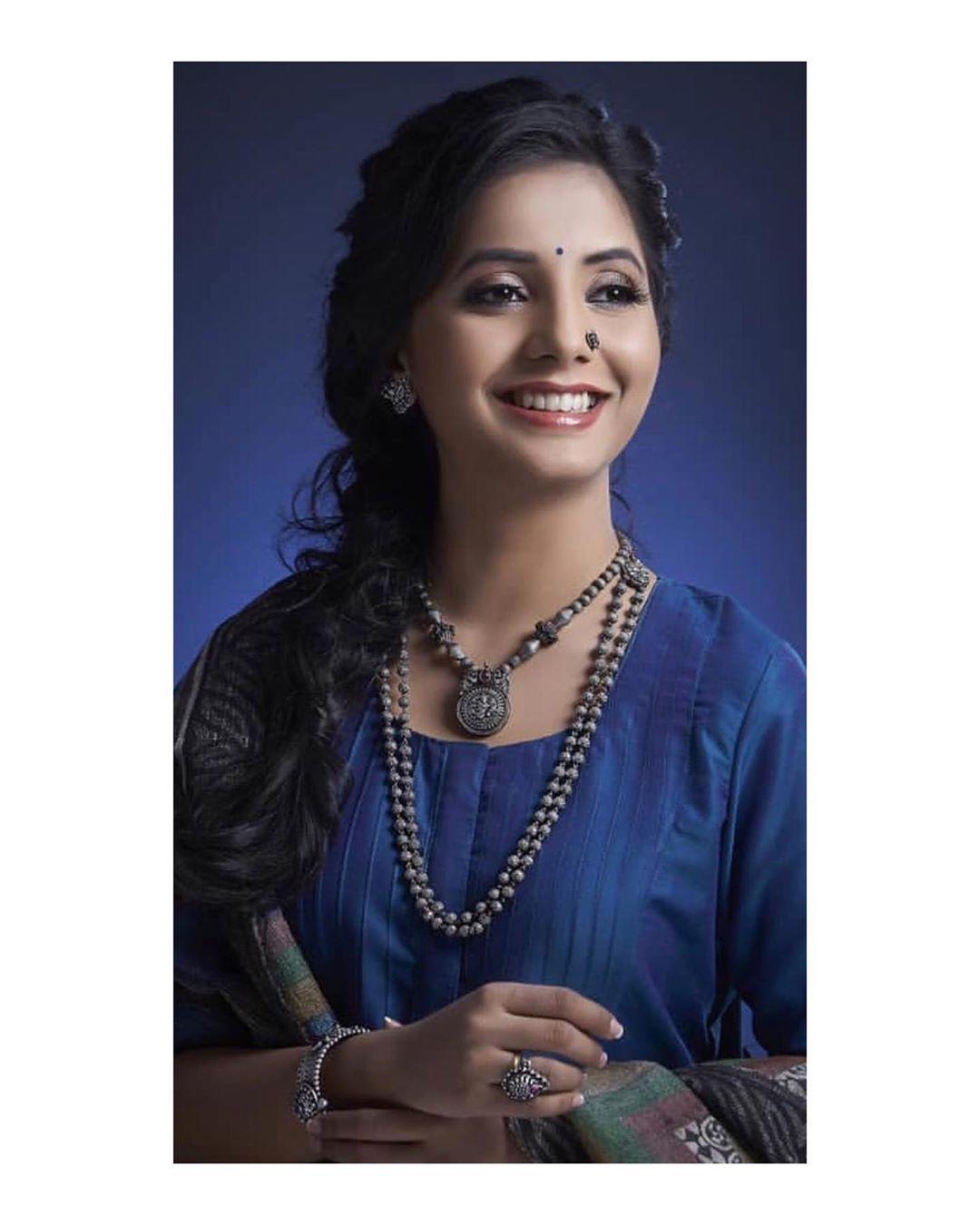 Sayali Sanjeev marathi actress 4