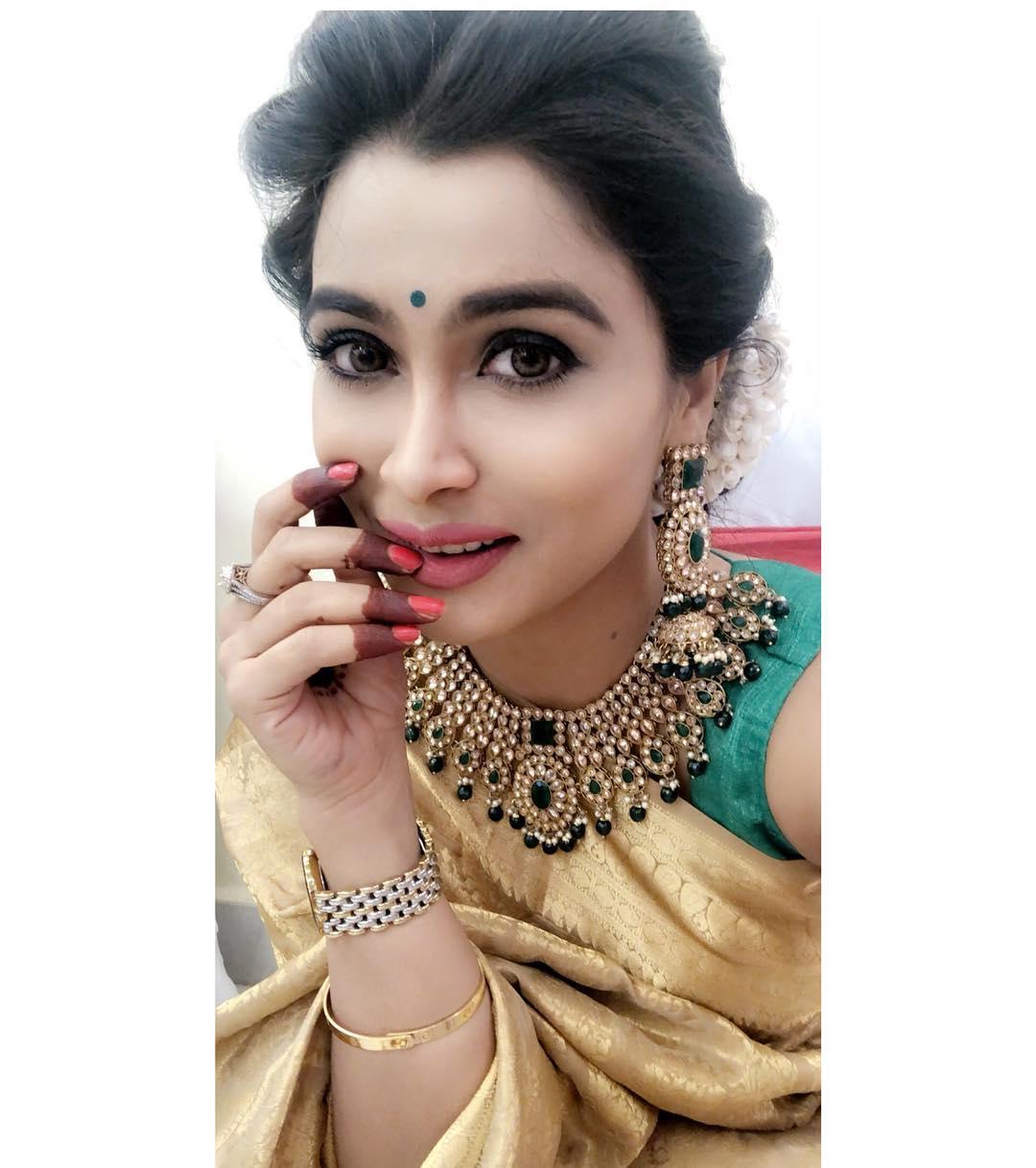 Ruchita Jhadav marathi actress 39