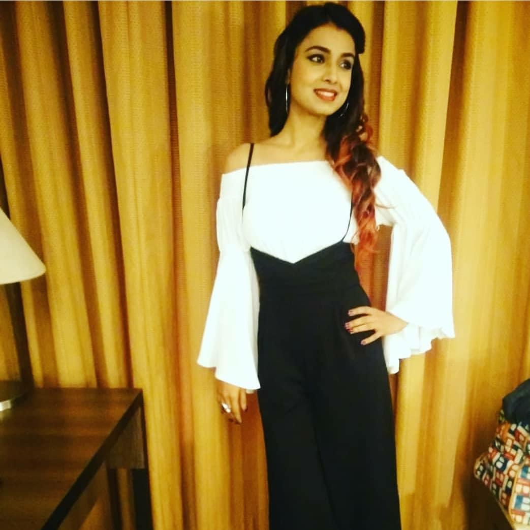 Mayuri Deshmukh marathi actress 27