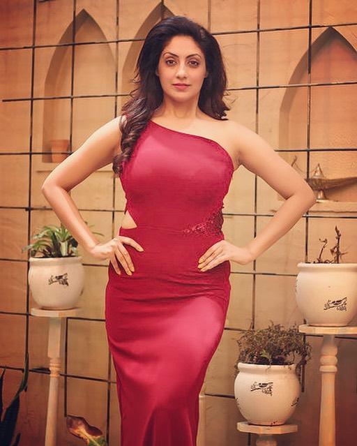 Gurleen Chopra marathi actress 15