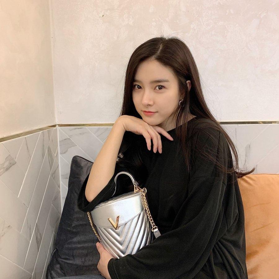 Kim So eun actress images