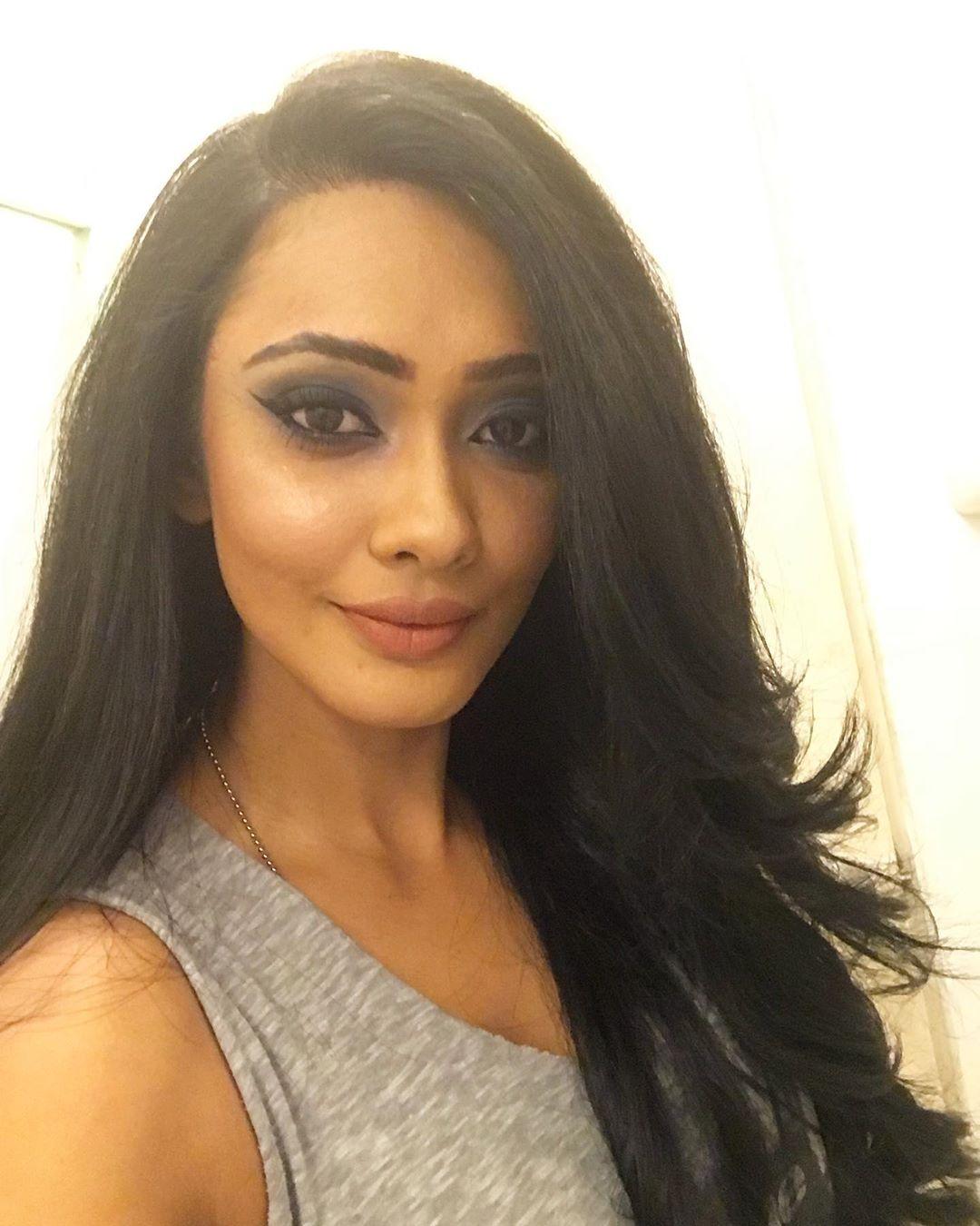 Yureni Noshika sri lankan actress