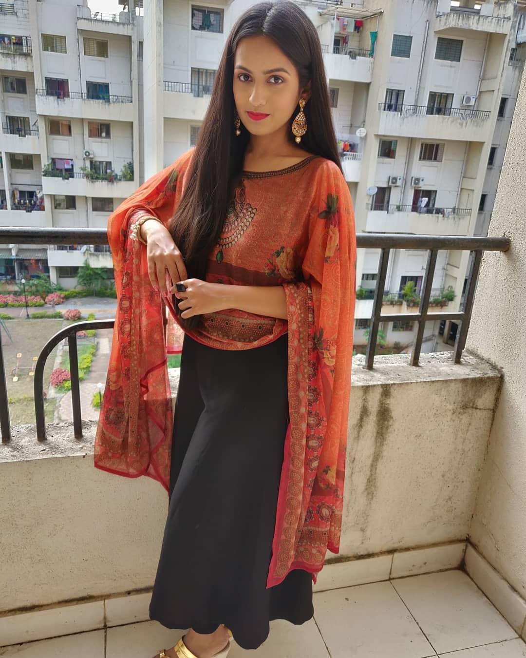 Shivani Baokar marathi actress 25