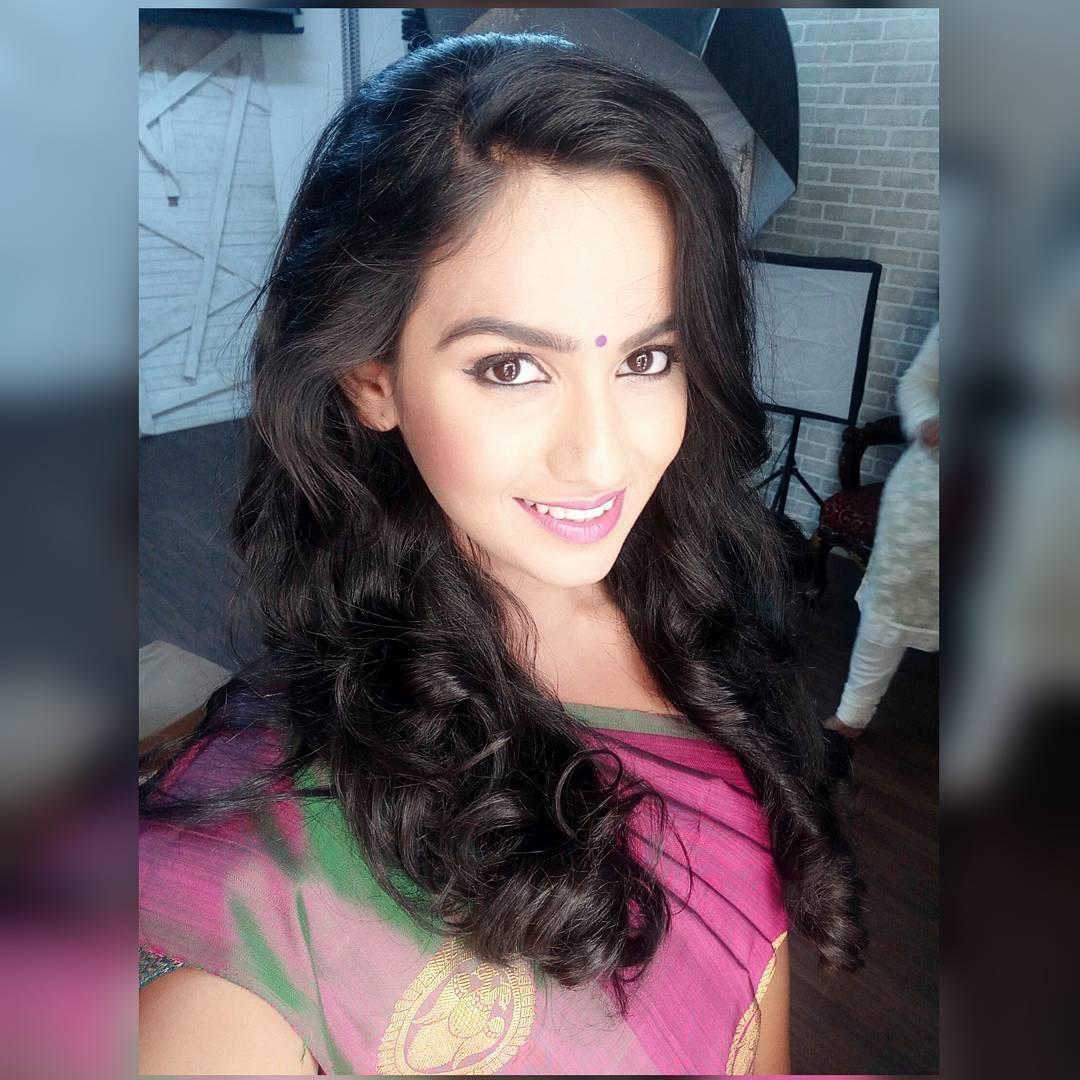 Shivani Baokar marathi actress 58
