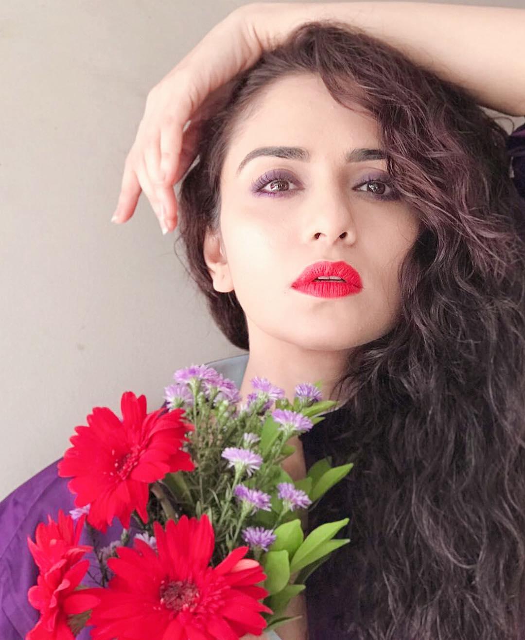 Amruta Khanvilkar Marathi Actress 10