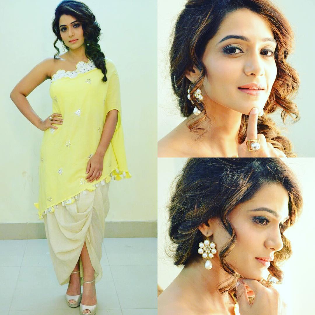 Urmila Kanitkar Marathi Actress 24