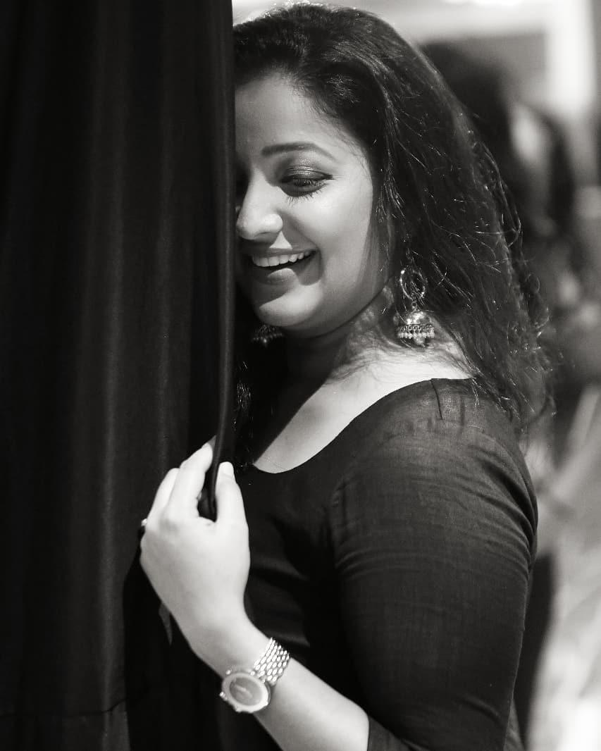 Apurva Nemlekar marathi actress 32