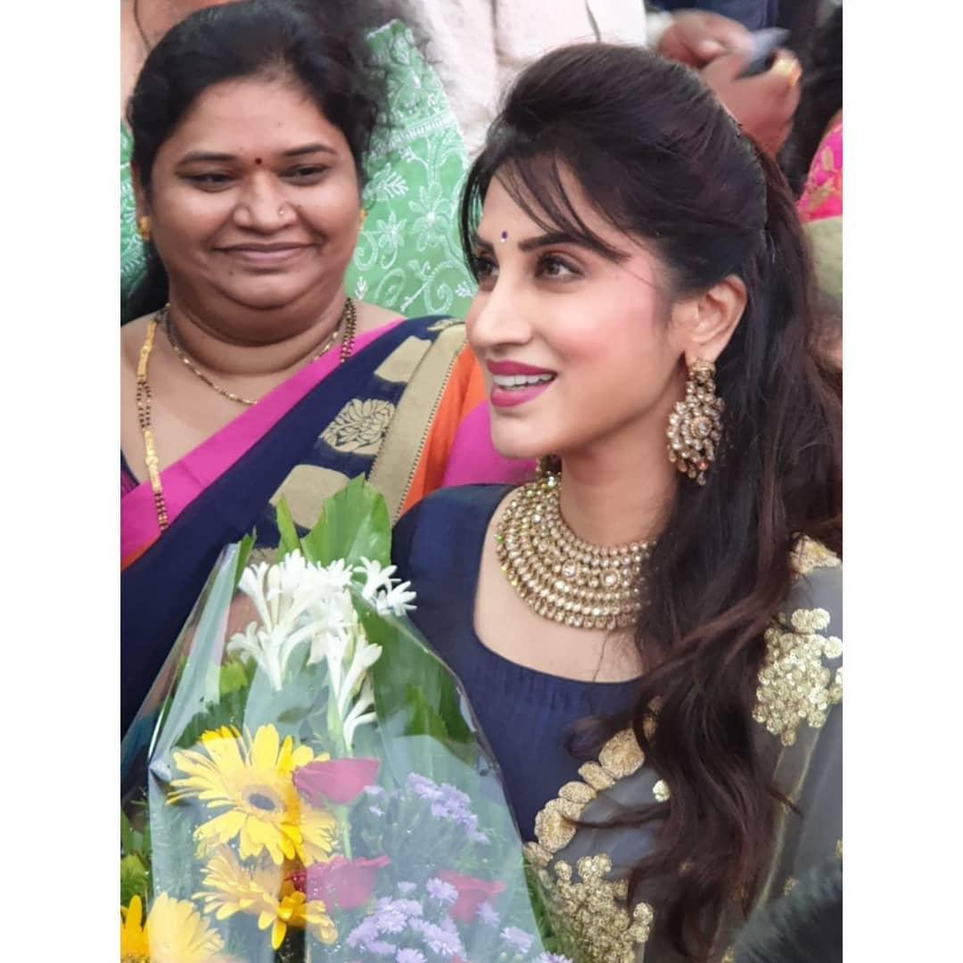 Smita Gondkar marathi actress 8