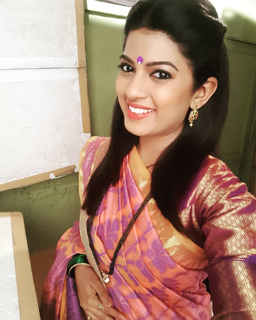 Dhanashri Kadgaonkar marathi actress 11