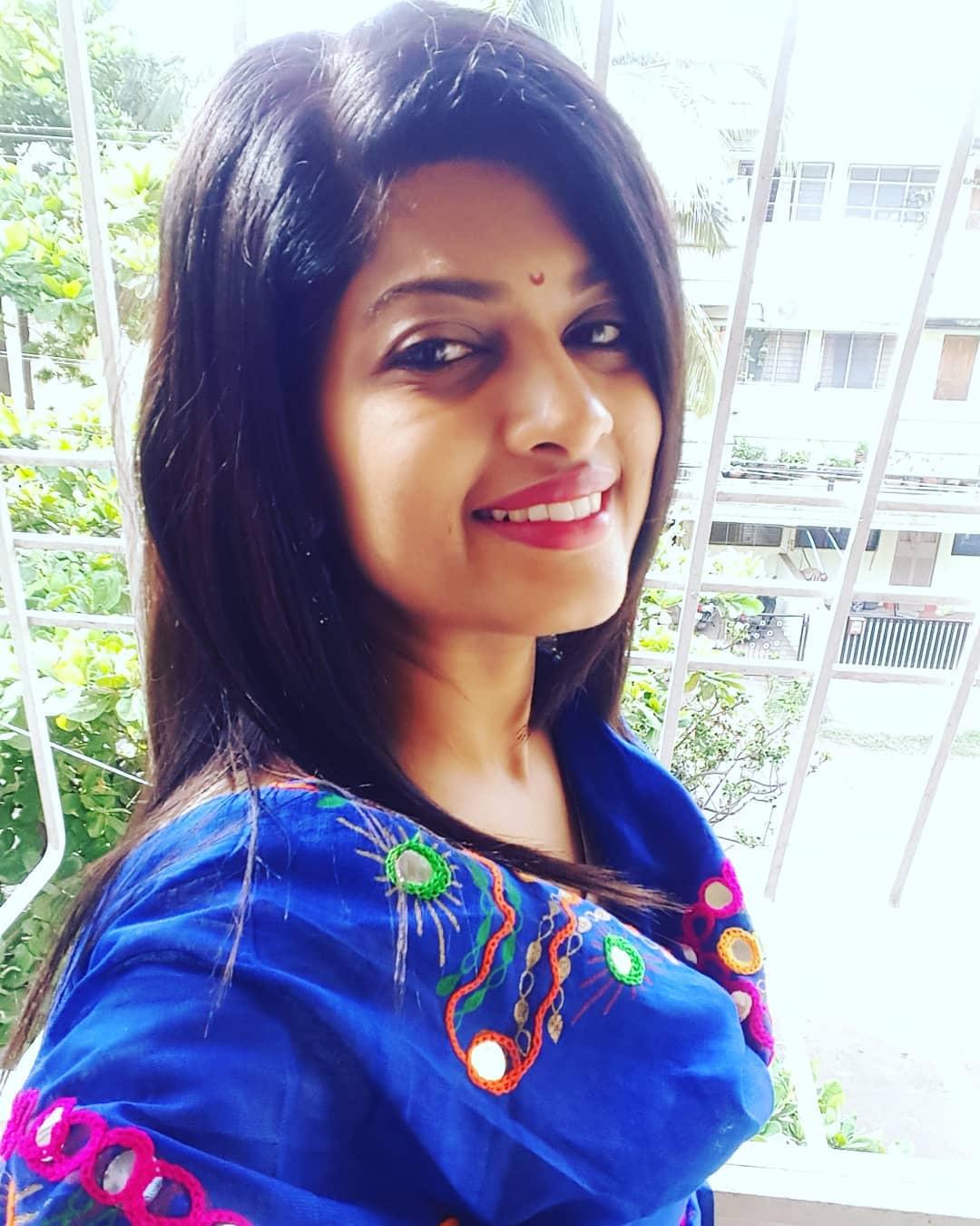 Dhanashri Kadgaonkar marathi actress 50