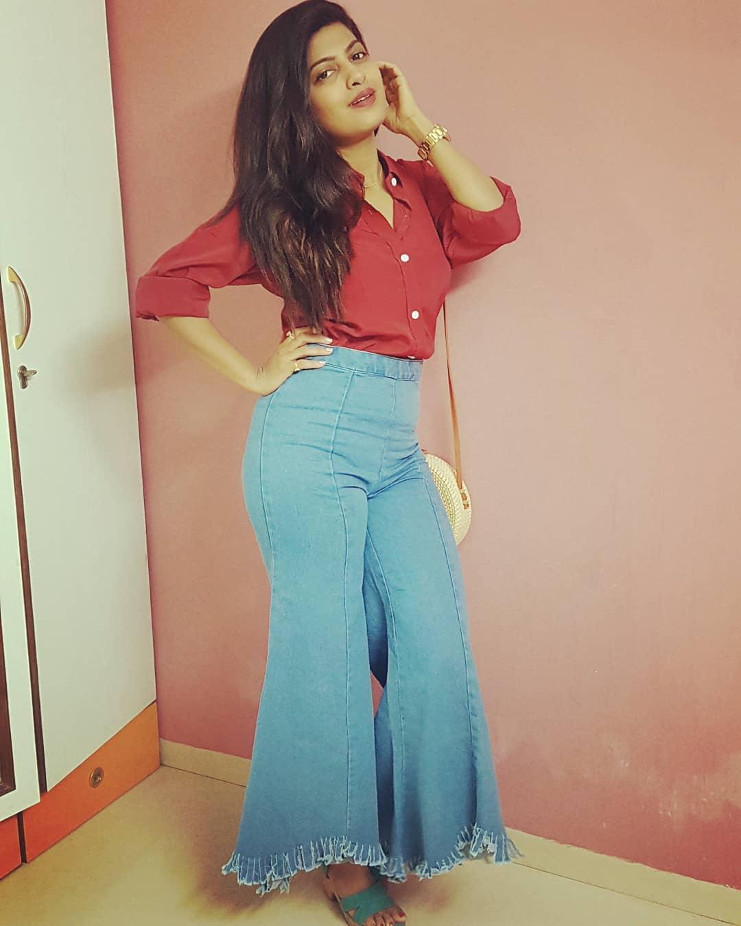 Dhanashri Kadgaonkar marathi actress 5