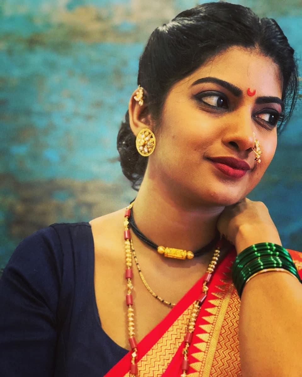 Dhanashri Kadgaonkar marathi actress 41