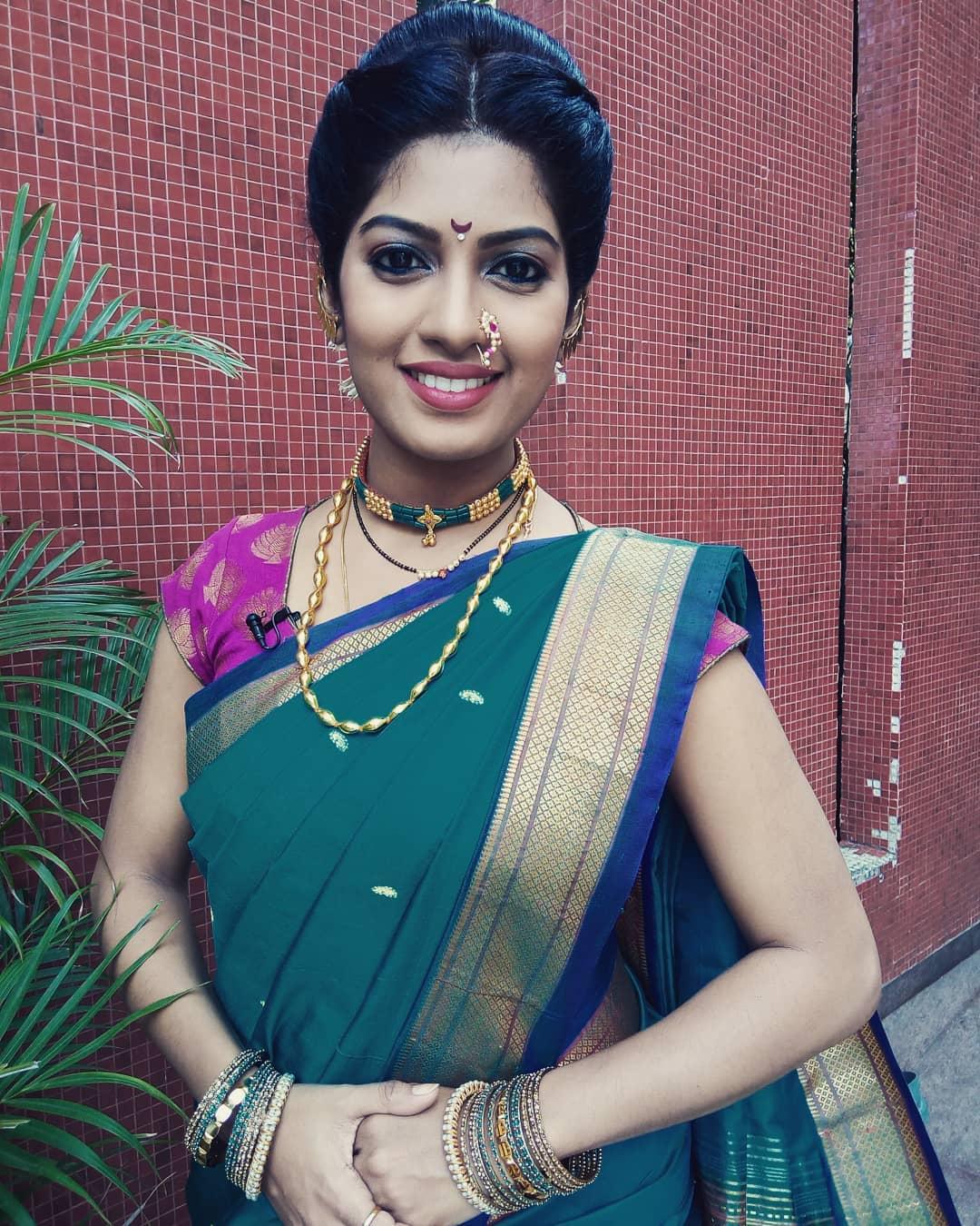 Dhanashri Kadgaonkar marathi actress 17