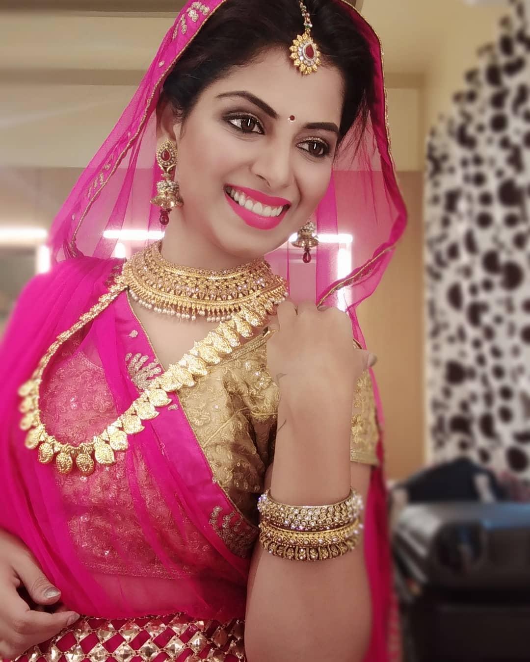 Smita Shewale marathi actress 15