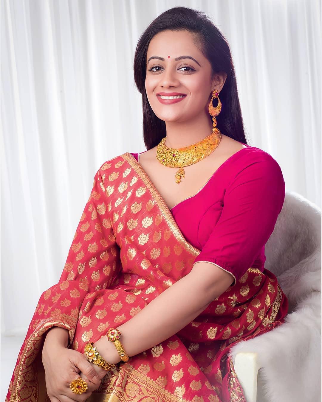 Spruha Joshi marathi actress 38