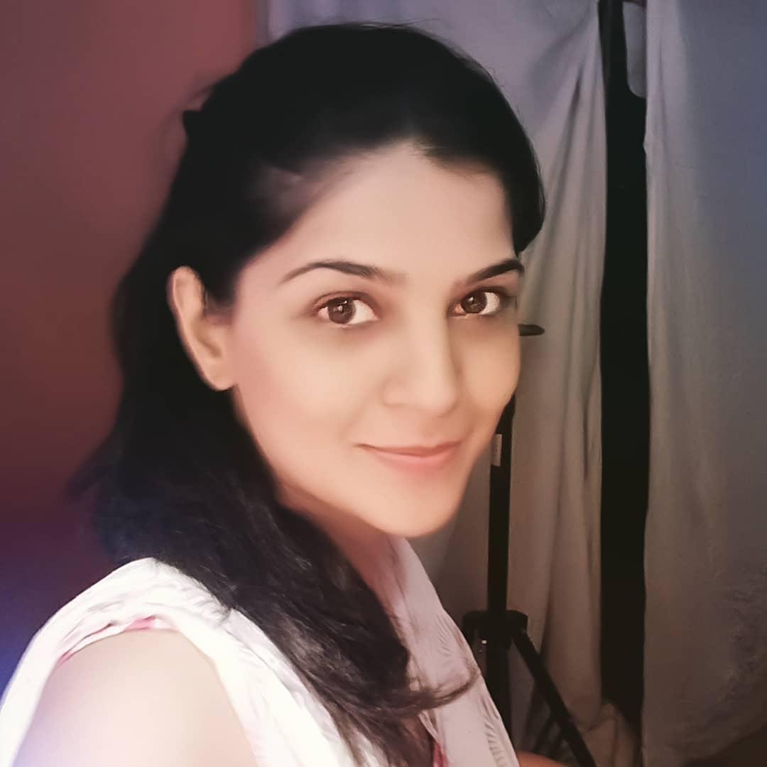 Sonam Pawar marathi actress 25