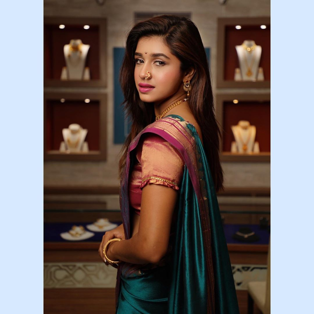 Sanskruti Balgude marathi actress 6