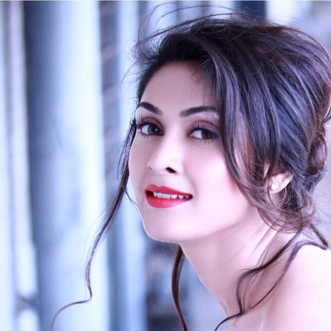 manjari phadnis bollywood actress 32