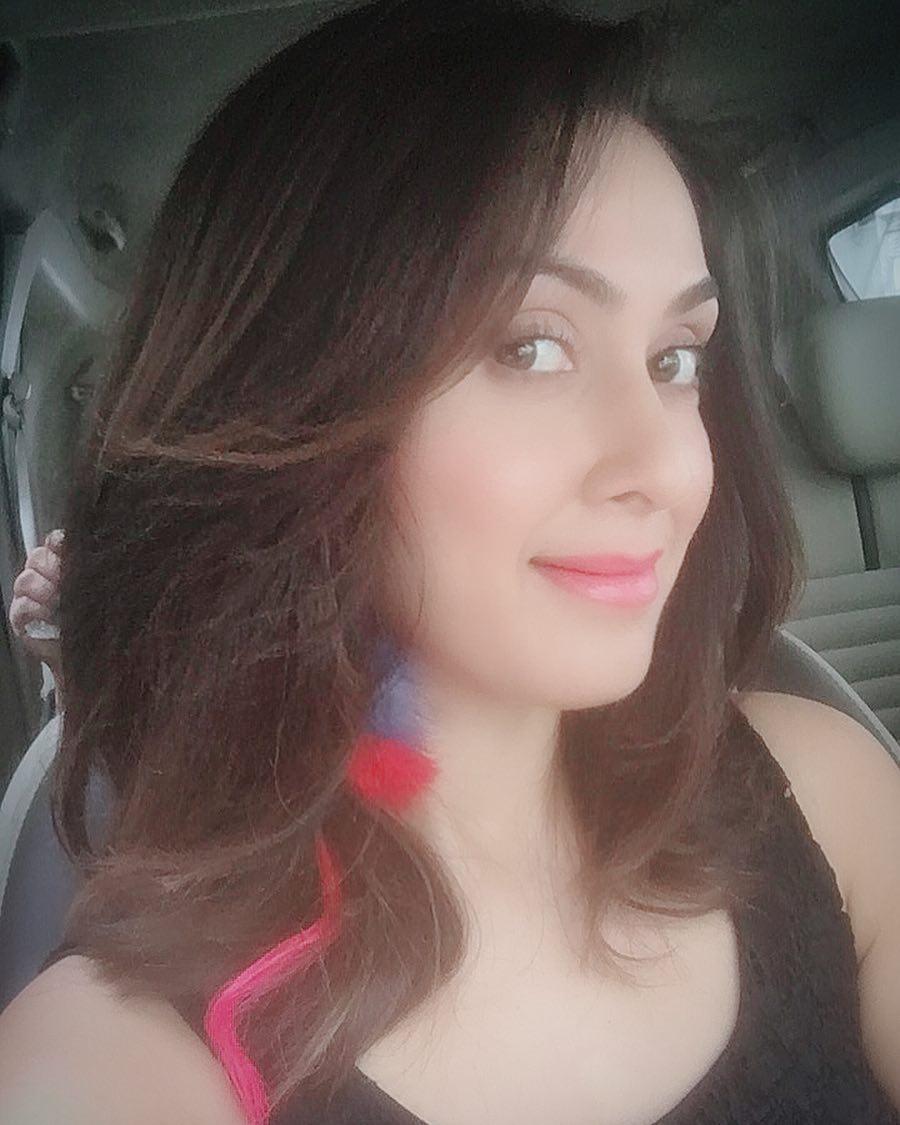 manjari phadnis bollywood actress 2