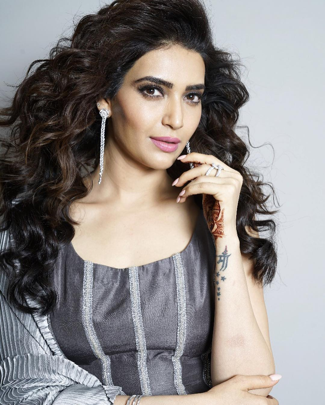Karishma Tanna bollywood actress 100