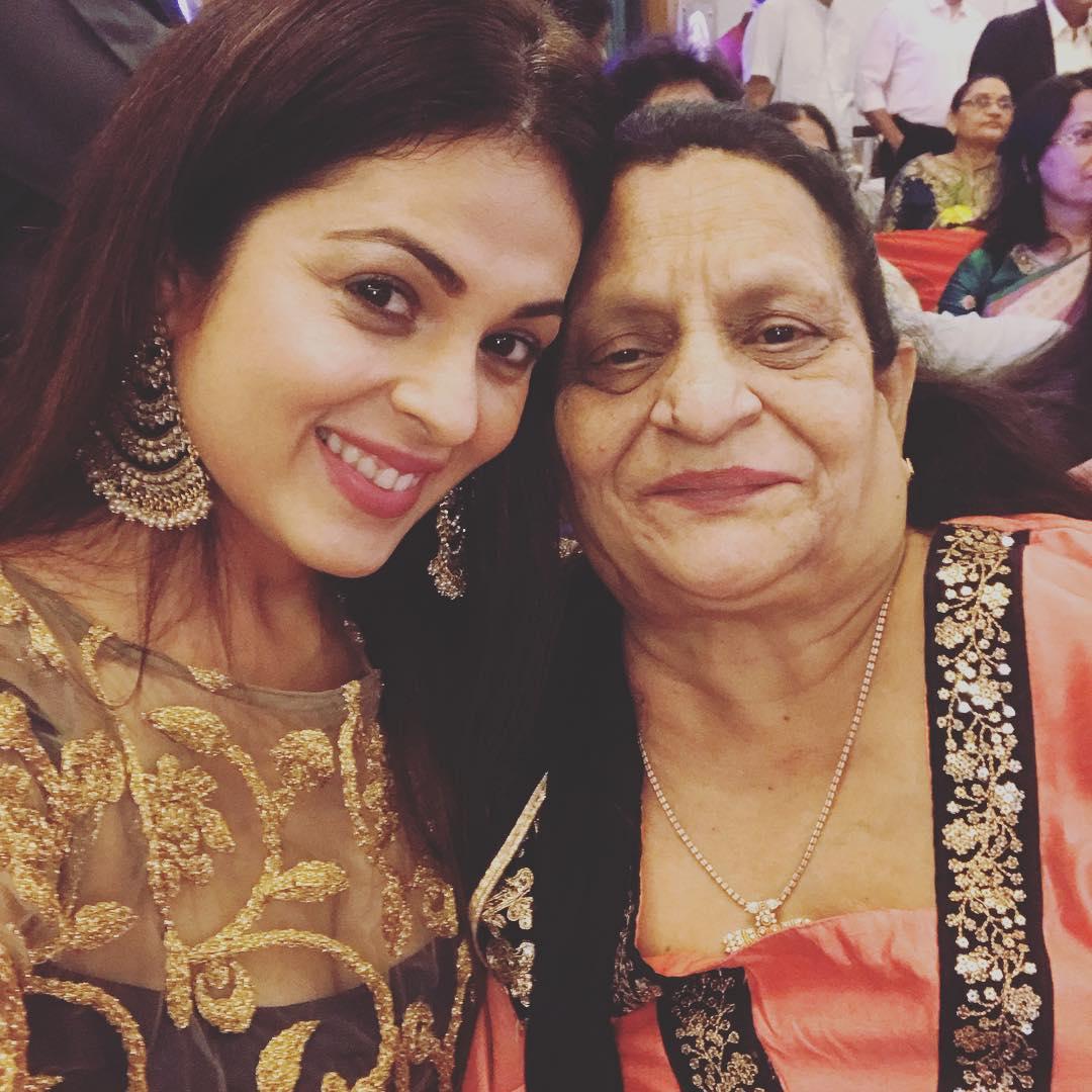 anjana sukhani 52