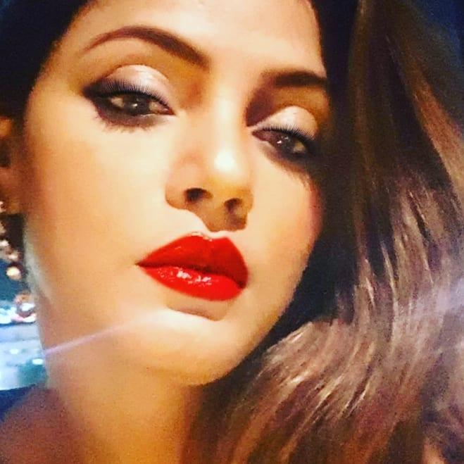 Neetu Chandra bollywood actress 35