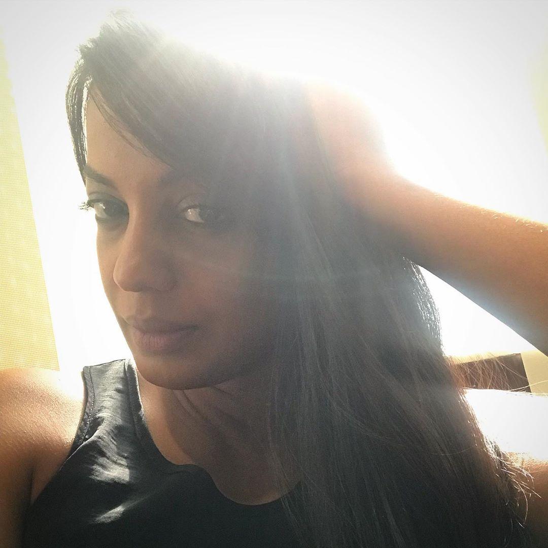 mugdha godse bollywood actress 114