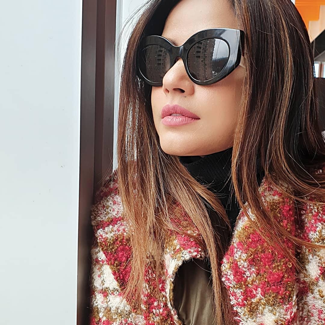 Neetu Chandra bollywood actress 48