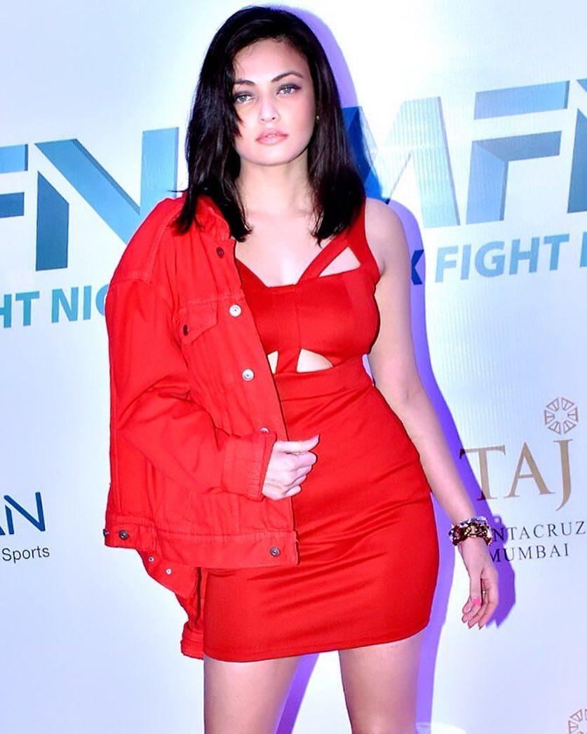 Sneha Ullal bollywood actress 34