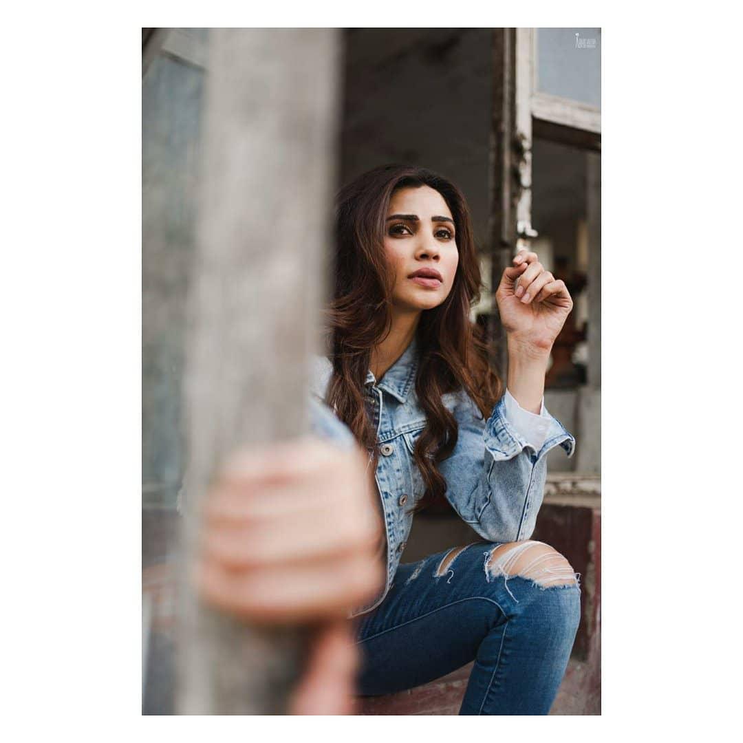 daisy shah bollywood actress 48