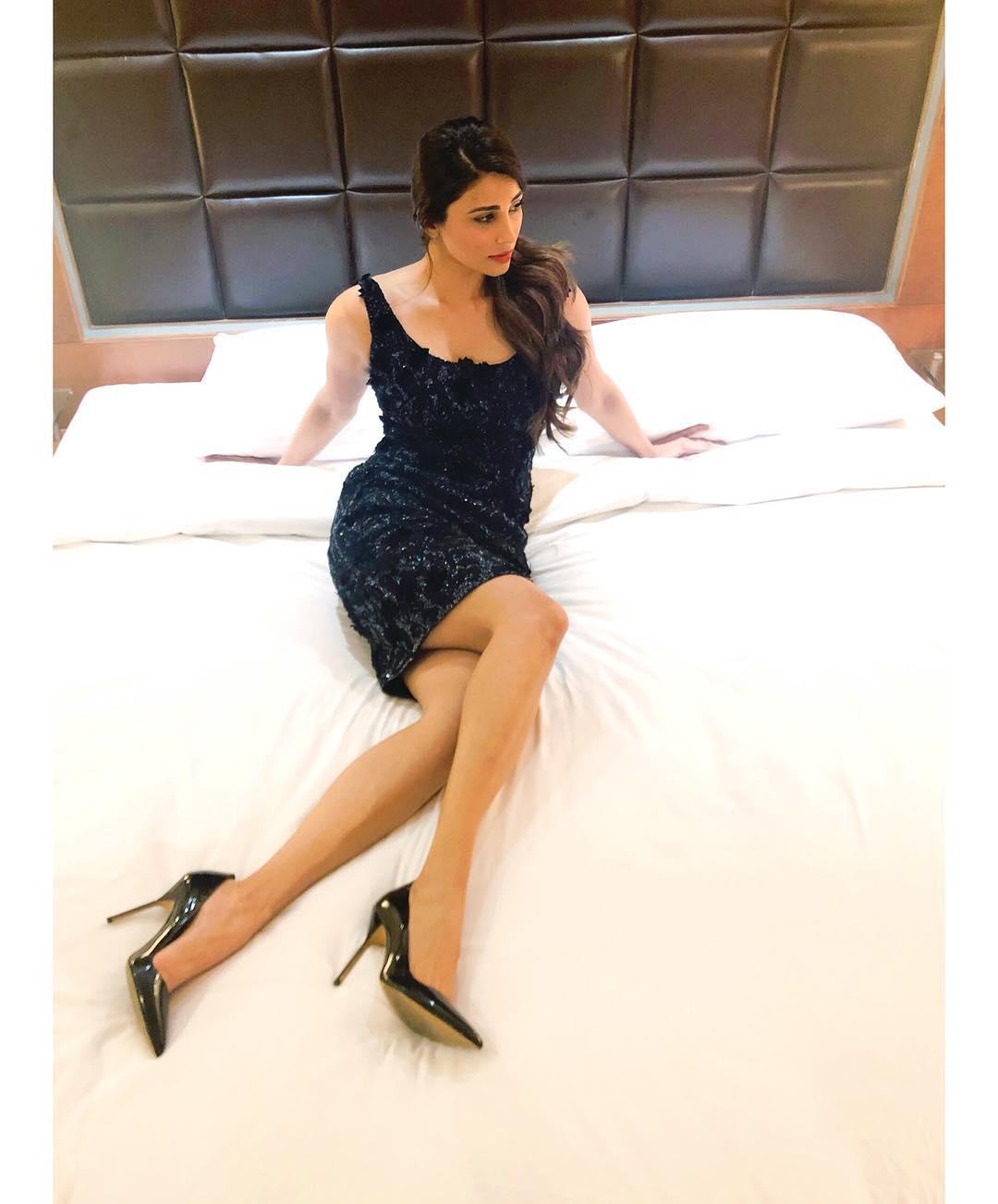 daisy shah bollywood actress 50