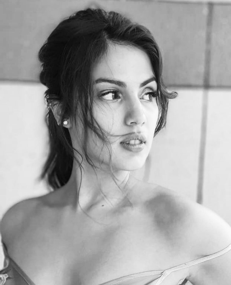 rhea chakraborty bollywood actress 29