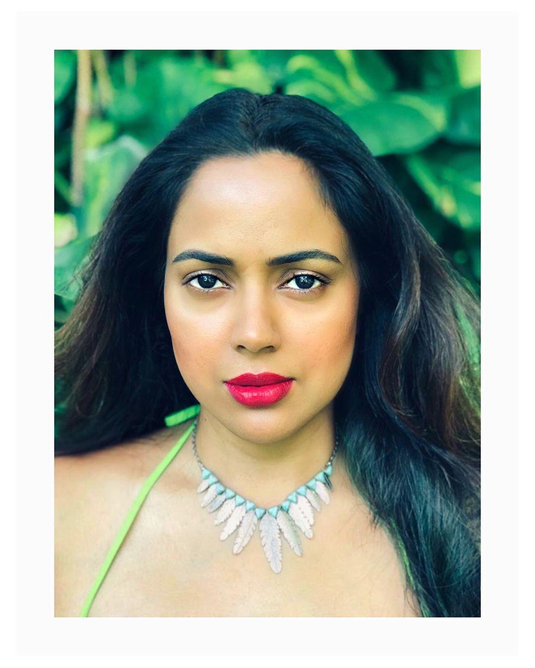 Sameera reddy bollywood actress 1