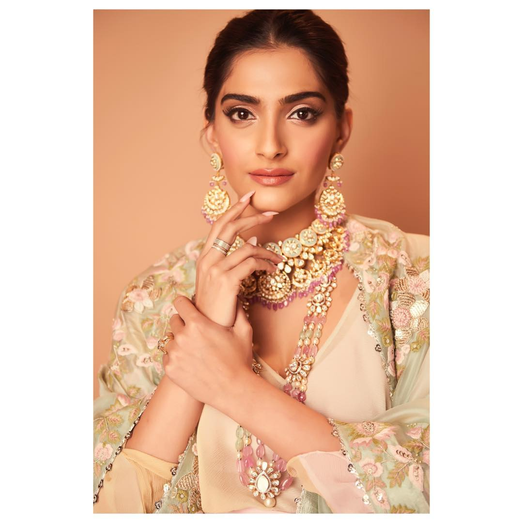 Sonam Kapoor bollywood actress 51