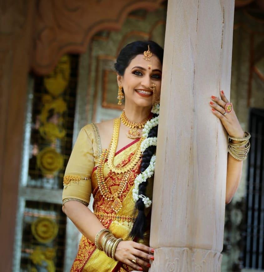 Dipti Ketkar Marathi actress 18
