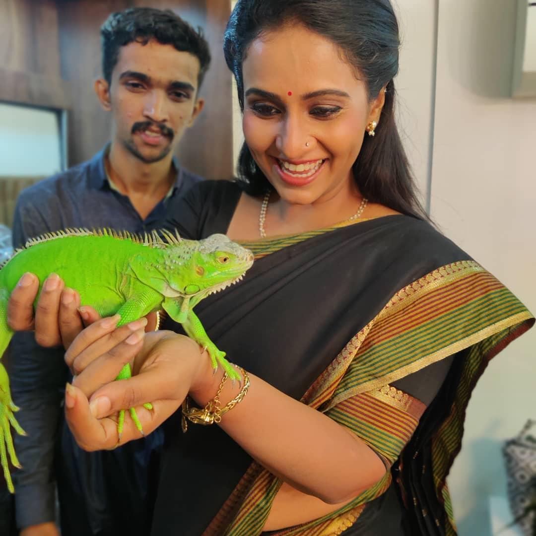 Dipti Ketkar Marathi actress 17