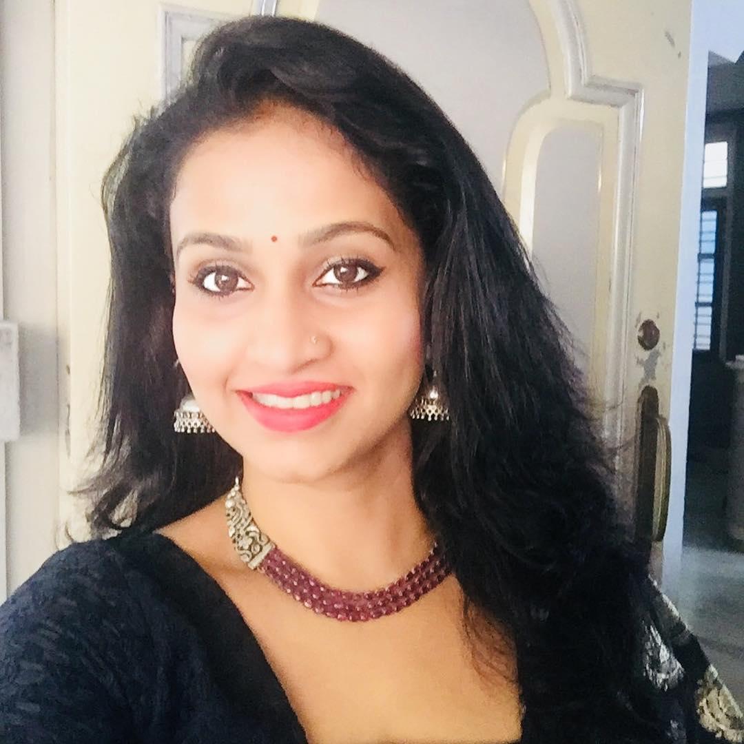 Dipti Ketkar Marathi actress 9