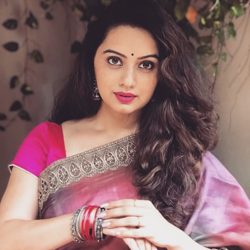 Shruti Marathe marathi actress 4