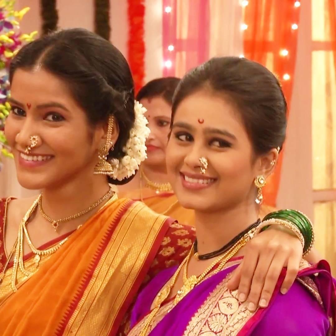 Mrunal Dusanis marathi  actress 7