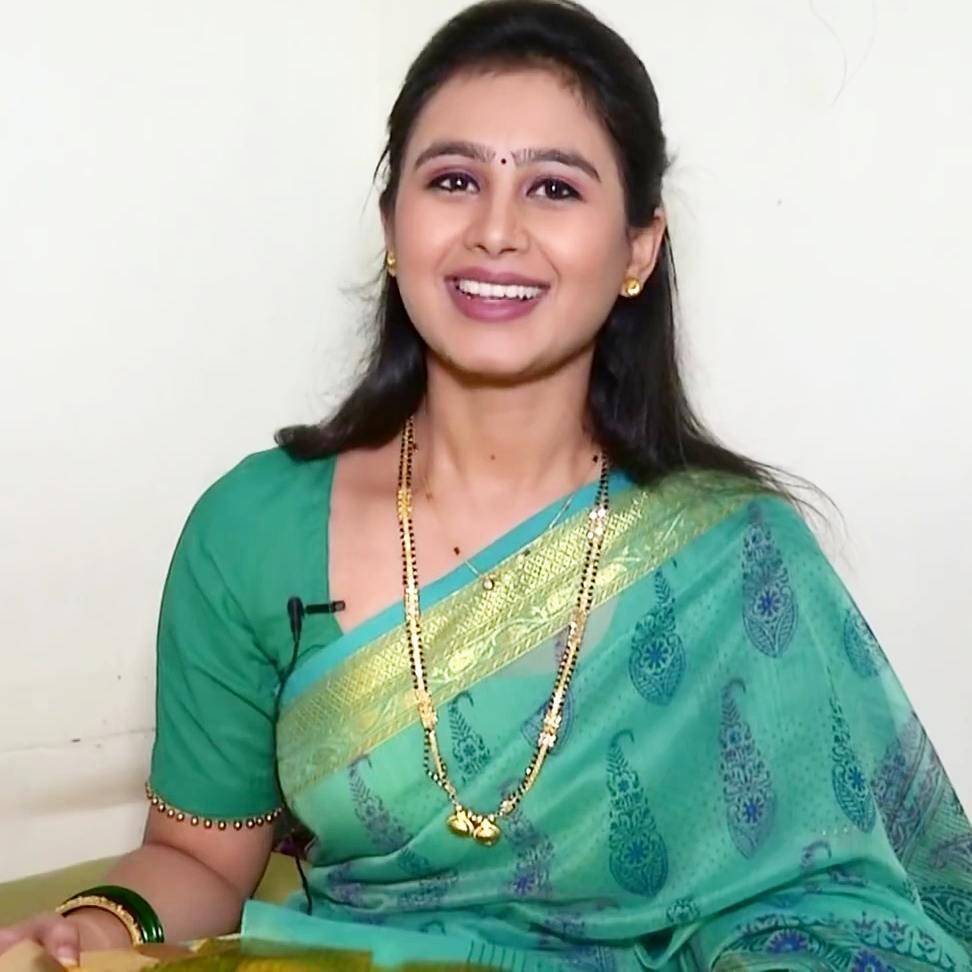 Mrunal Dusanis marathi  actress 6