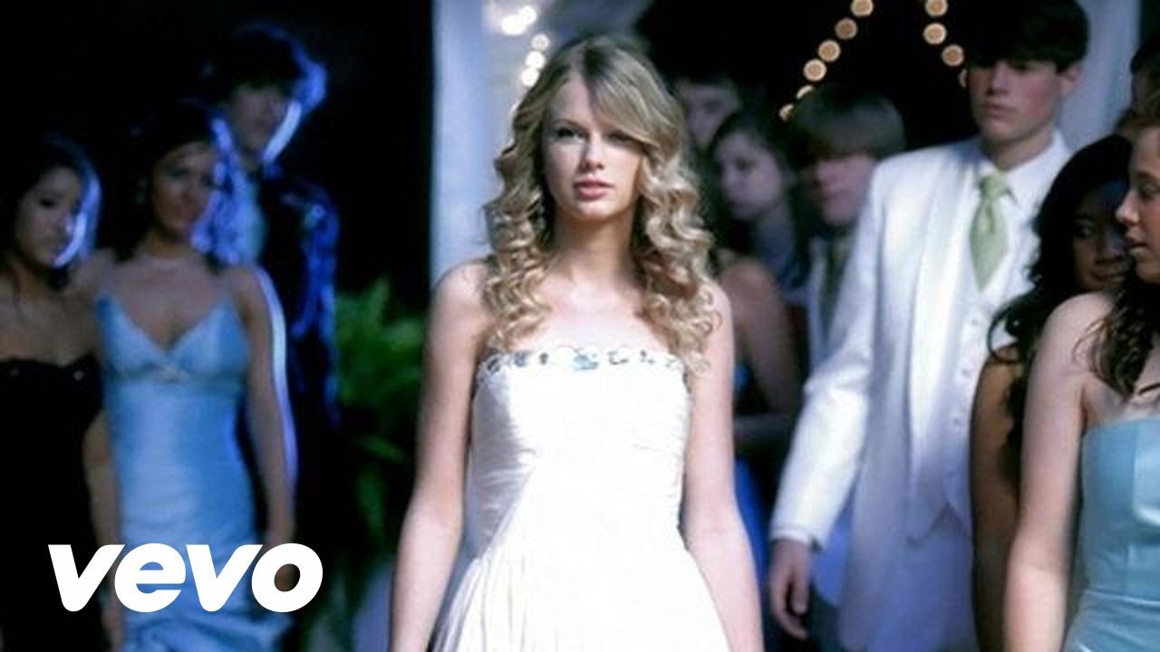 You Belong With Me Lyrics - Taylor Swift