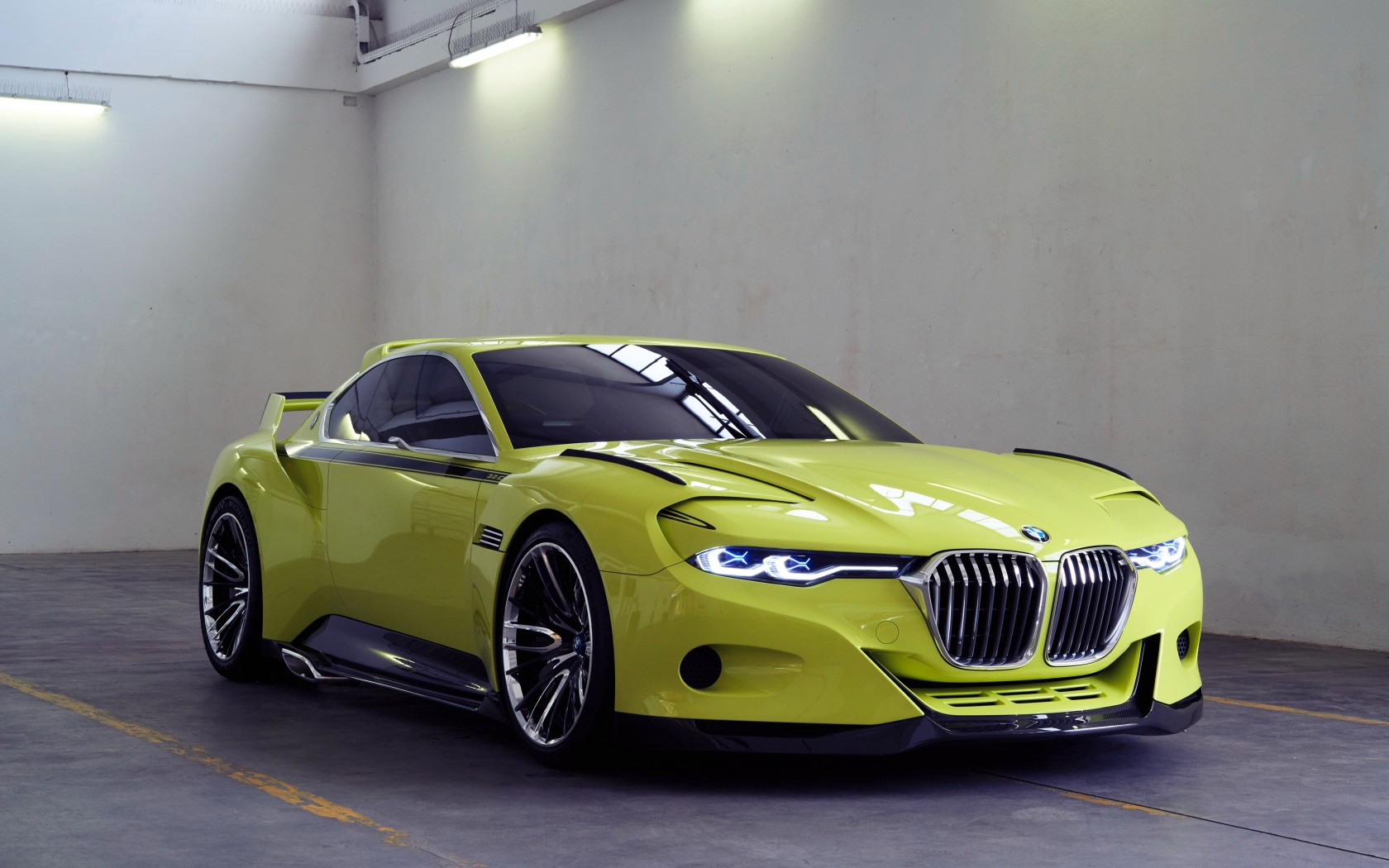 Bmw csl hommage side view